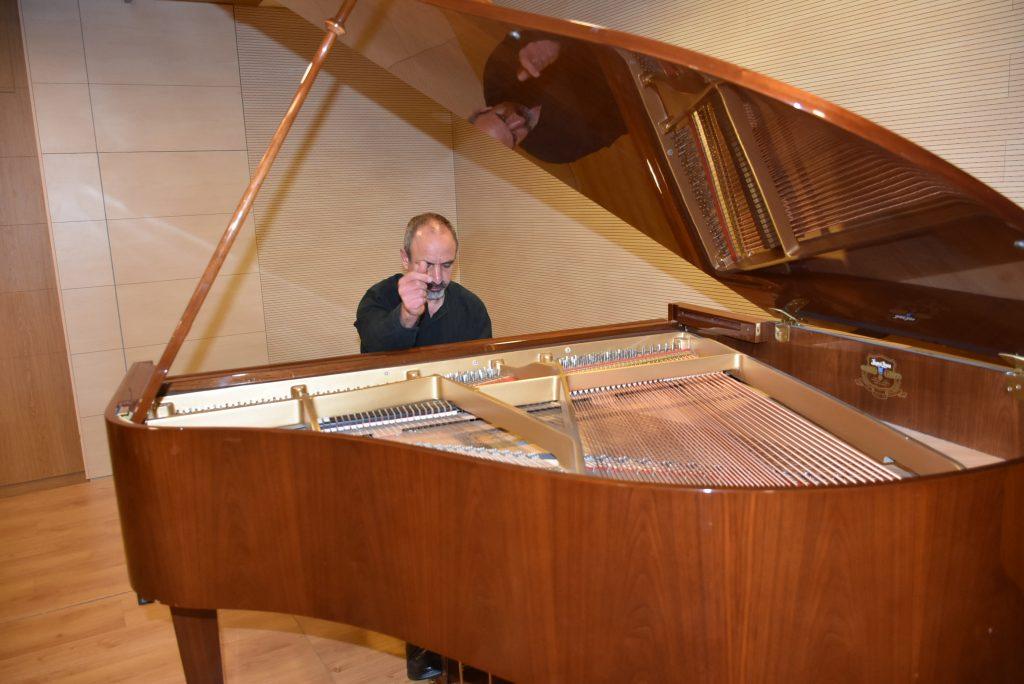 Μουσικό κολάζ με τον Γιάννη Γεωργίου