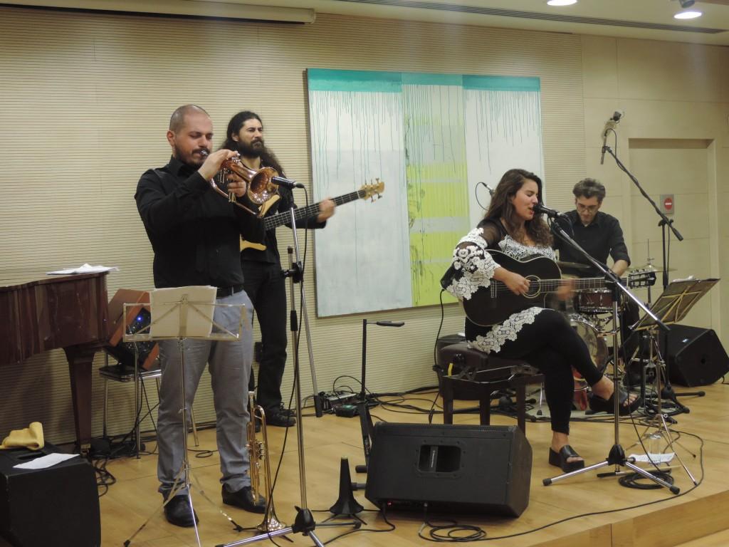 Συναυλία βραζιλιάνικα και ελληνικά τραγούδια με την Κατερίνα Πολέμη