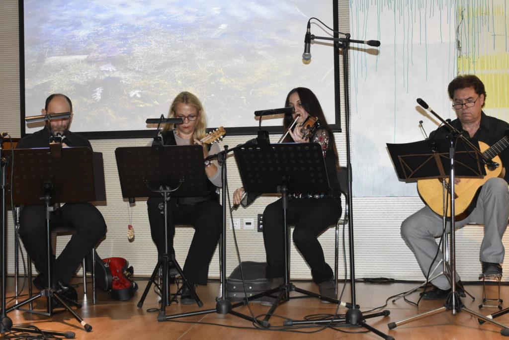 Σκαμμένοι Ουρανοί μουσικοθεατρικό έργο