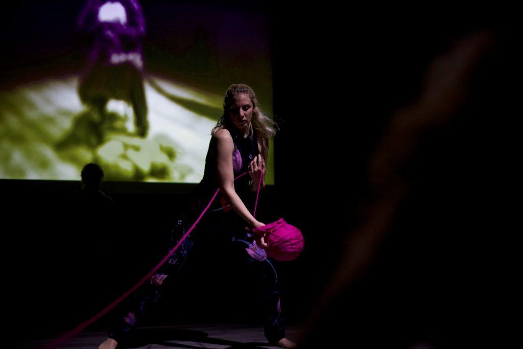 HANDMADE Performance από την ομάδα σύγχρονου χορού Dancevacuum